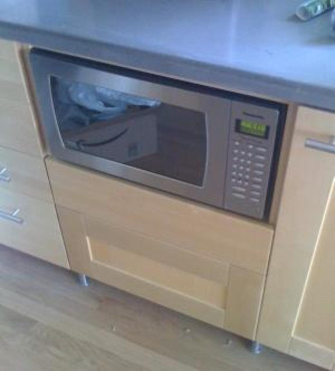 Mount Countertop Microwave Over Stove : ... Microwave - Tips and Kitchen Design Ideas - Microwave Drawer and More