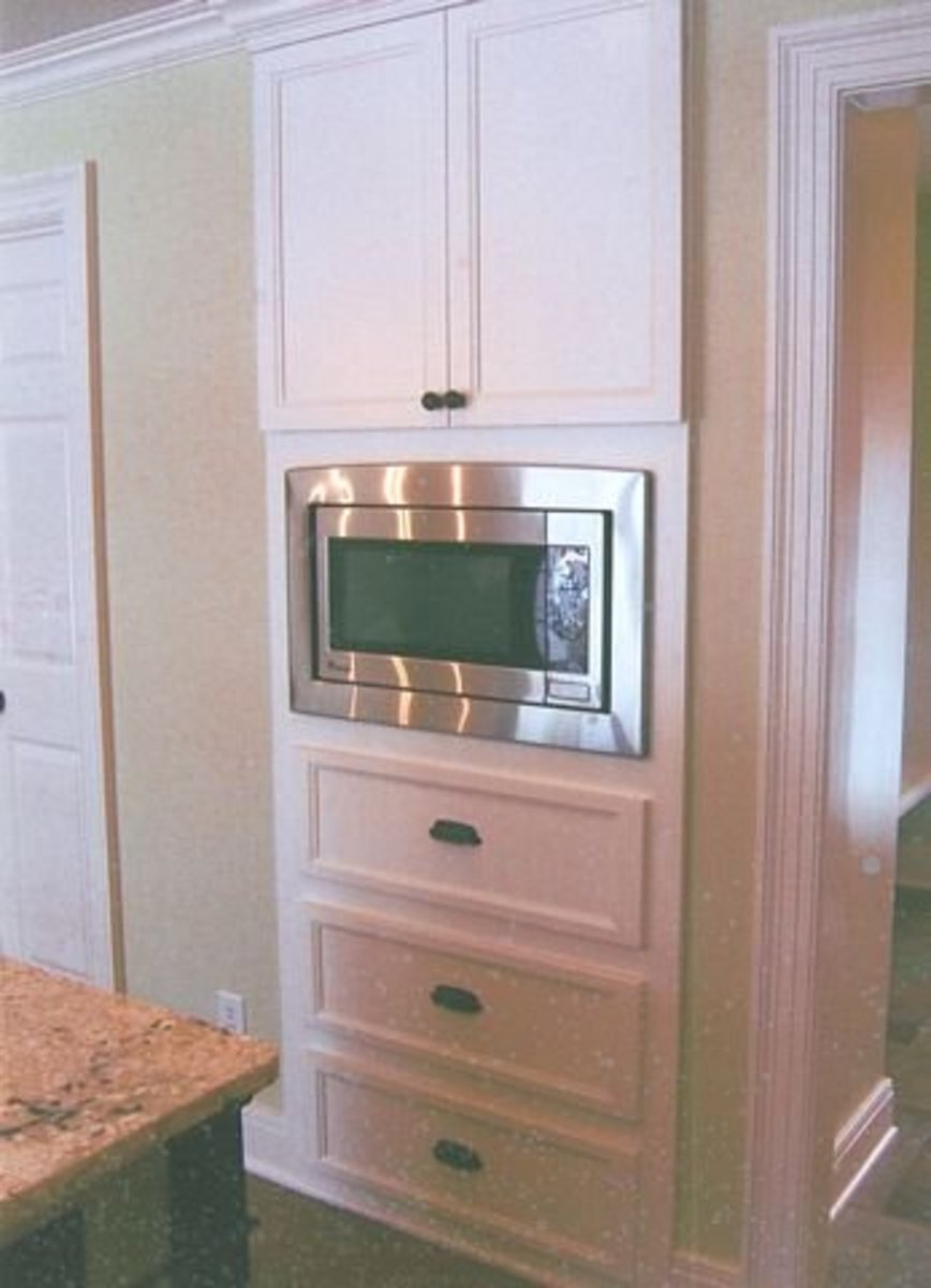 Microwave flush on the wall solution built in