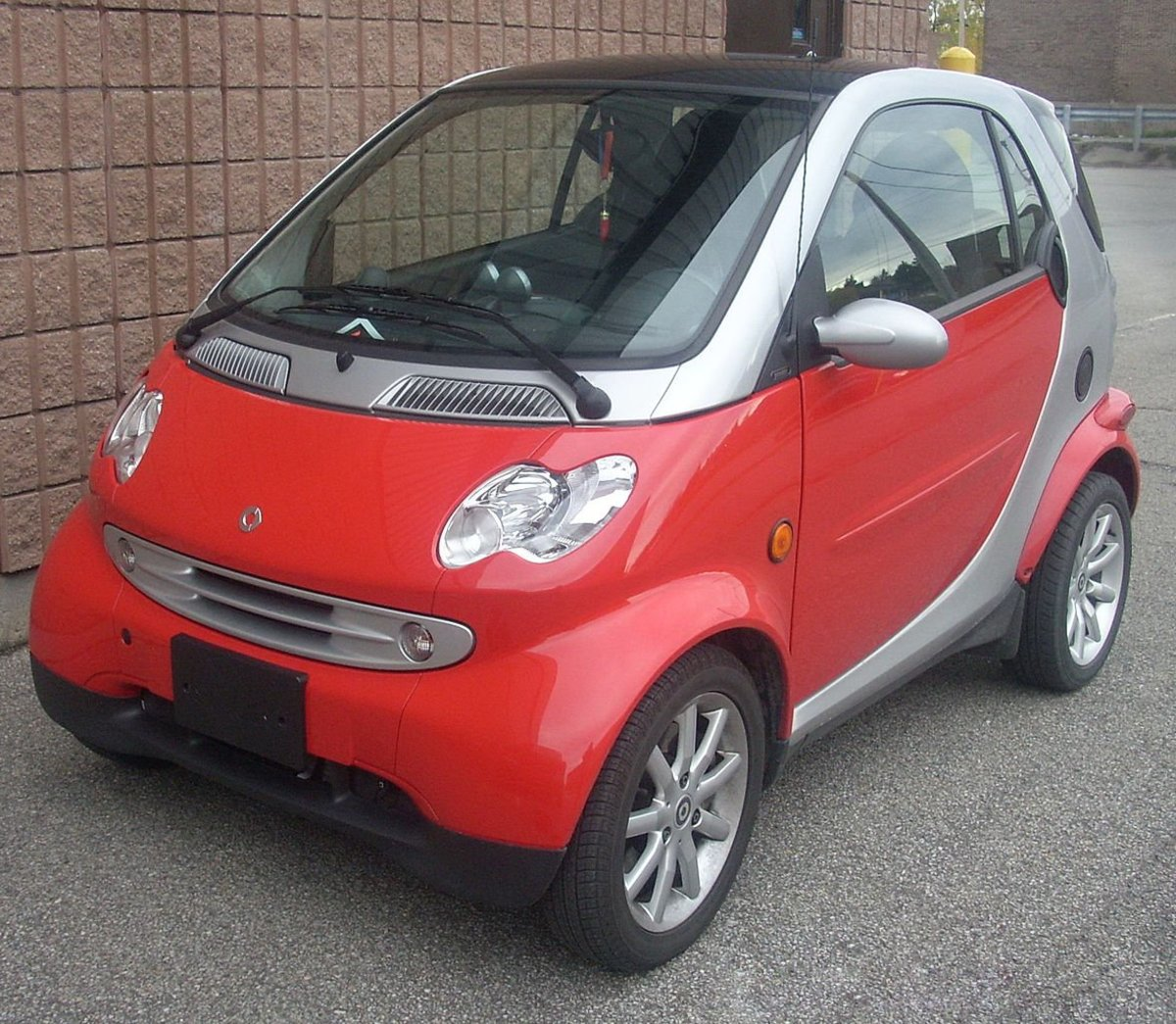 Small Cars Advantages & Disadvantages