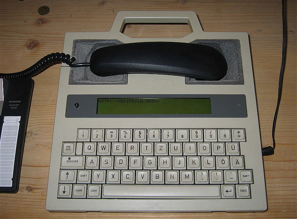 Telecommunications Device for the Deaf by the German company HGT.  Photo credit: Niklas Bildhauer, Wikimedia Commons