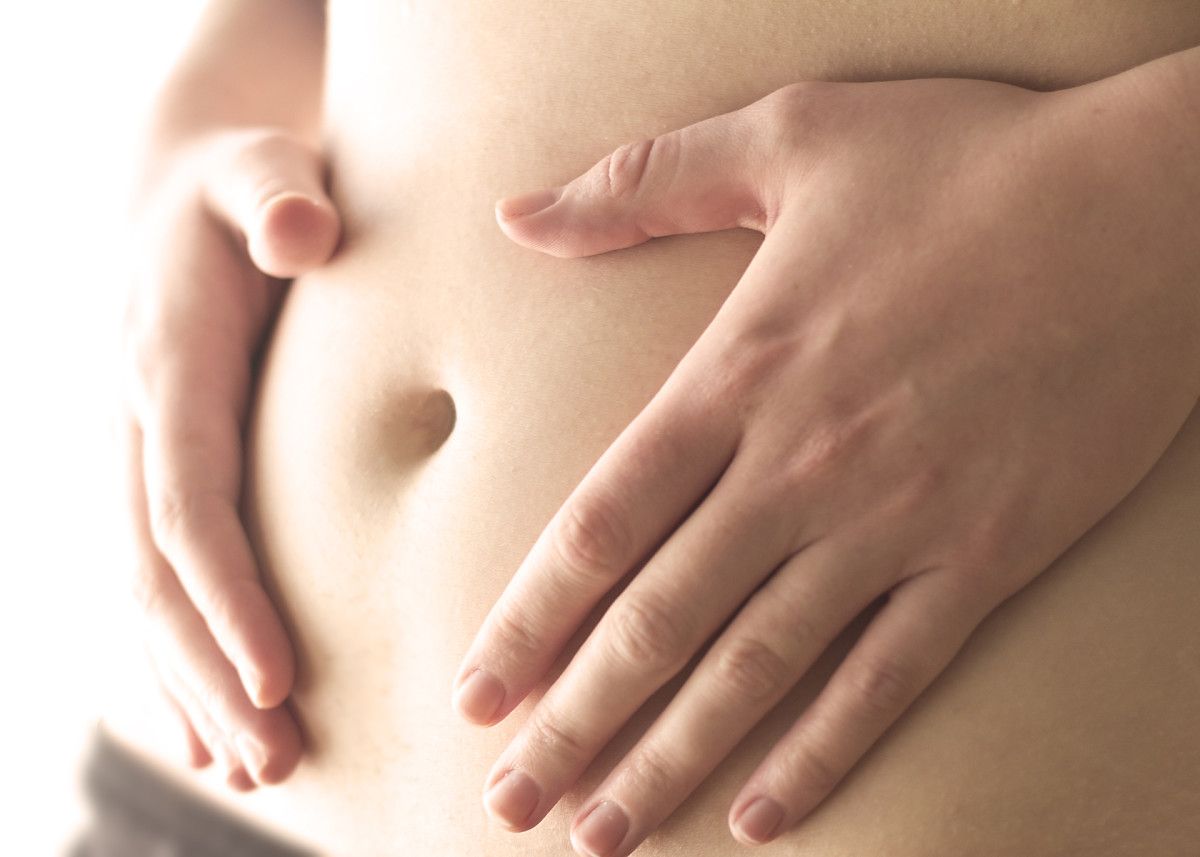 Sharp pains in abdomen sign of pregnancy