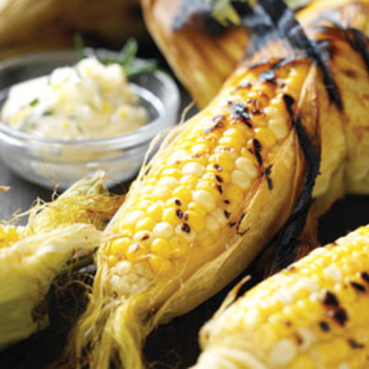 Grilled corn three ways.How to best grill sweet corn on the cob. Perfect summer BBQ food!