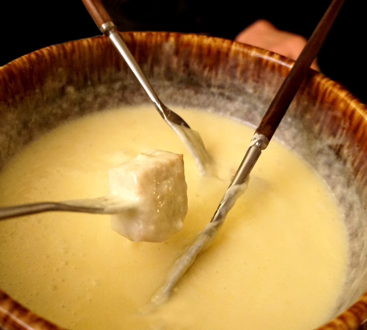 The 3 Best Fondue Recipes (Both Savory and Sweet)