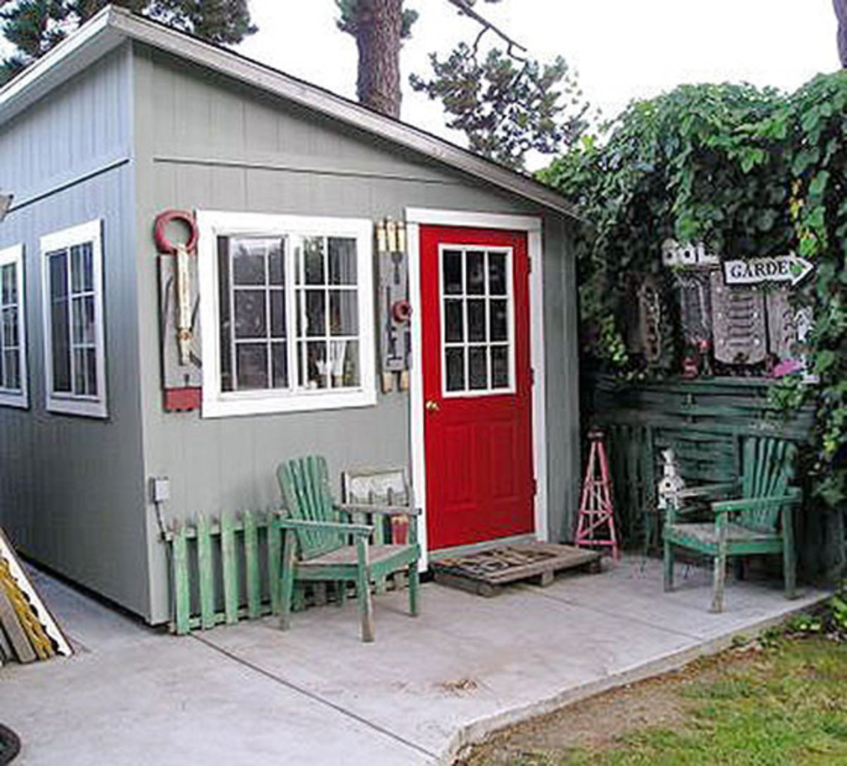 A pent shed is most suited for fast storage solutions or when your location is narrow.