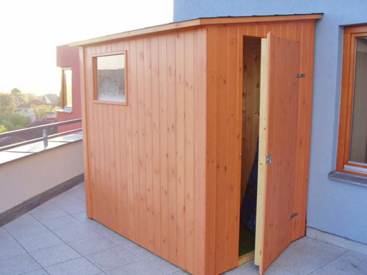 Lean-to sheds are the most cost effective and easiest sheds to build—they're particularly good if you're short on land and need to stay close to a building, garden wall, or fence.