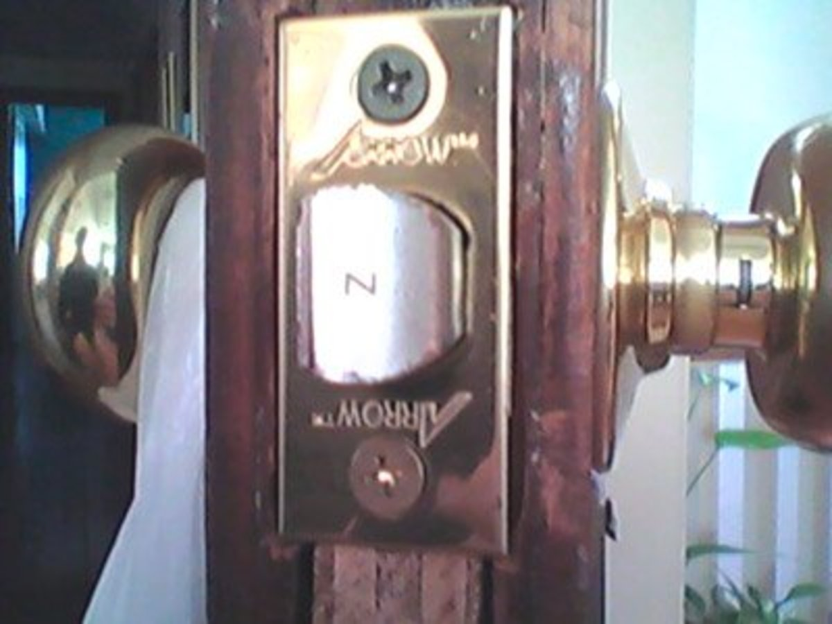 Arrow Latch Face with Brand Name