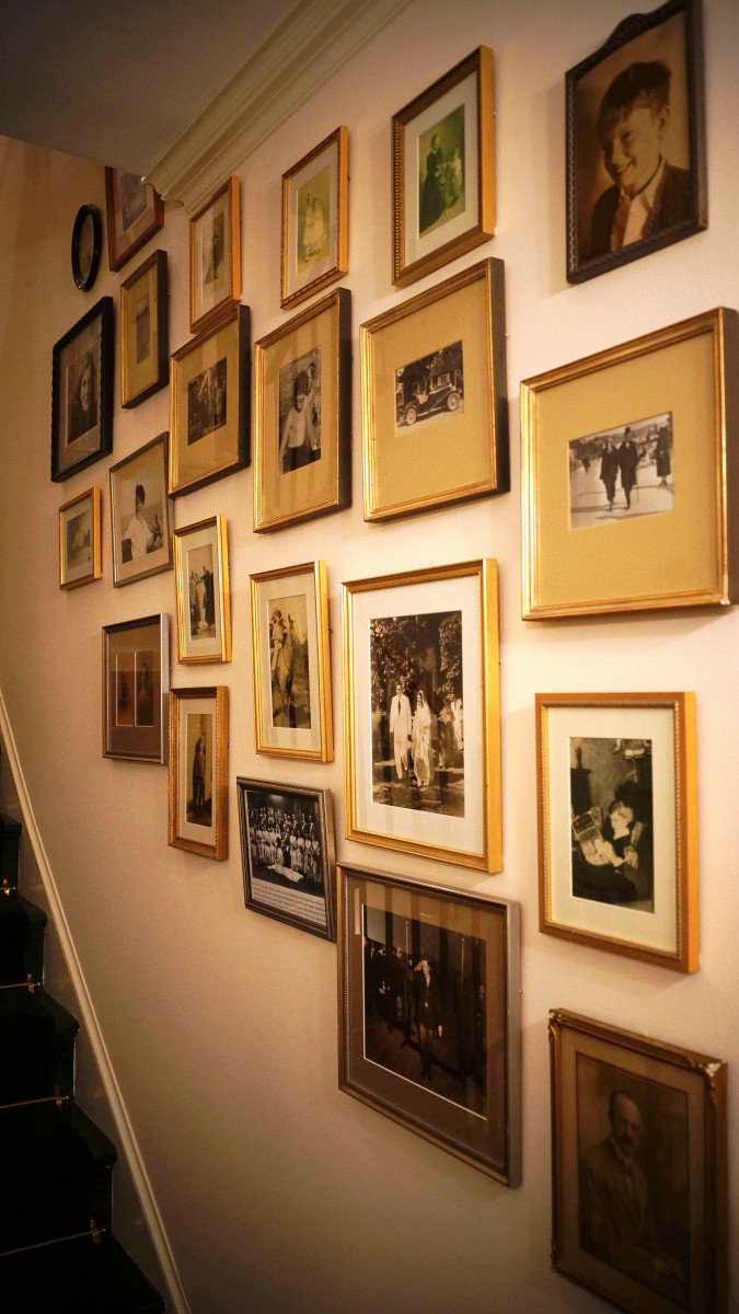 How To Display Framed Photographs On A Wall Dengarden