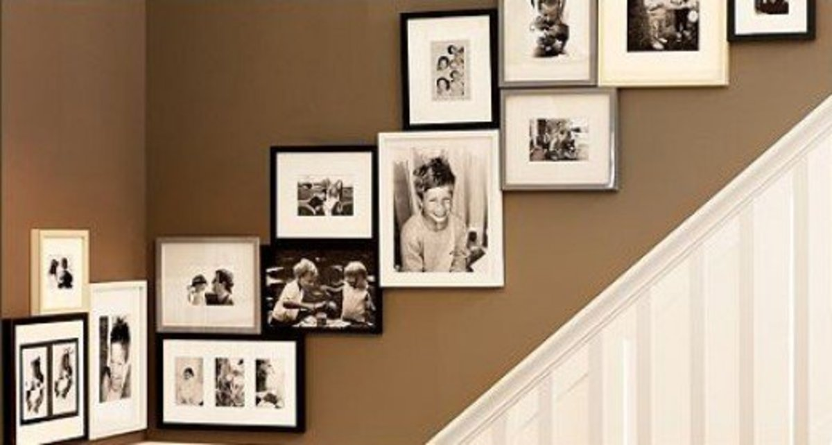 A great idea for a stairwell display.