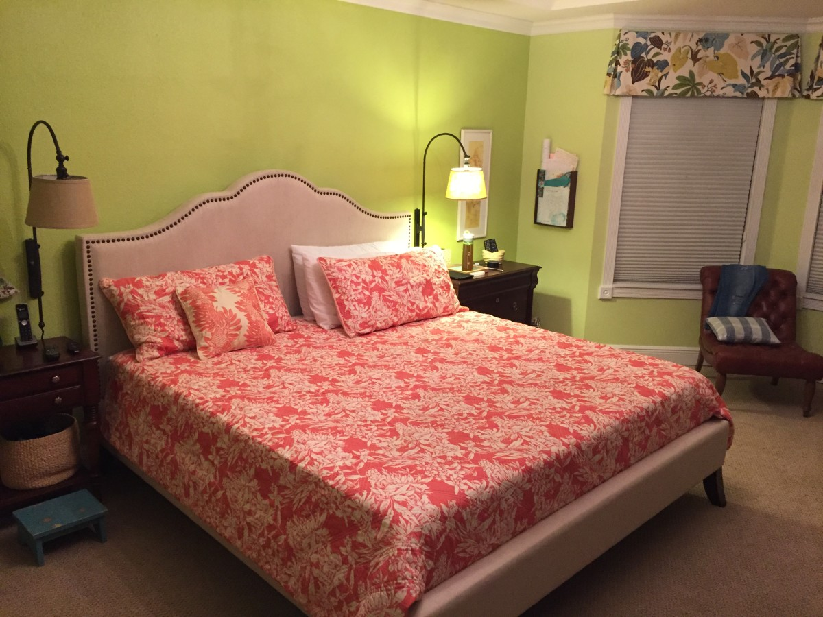 This is my bedroom! I went with bright walls and bedding for a lively, SoFlo summer look.