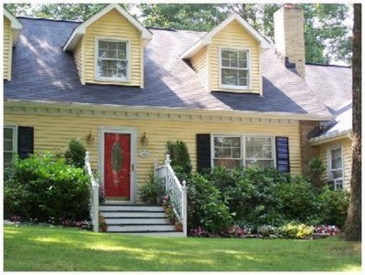 Home improvement i love cape cods great remodeling home for Cape cod siding ideas