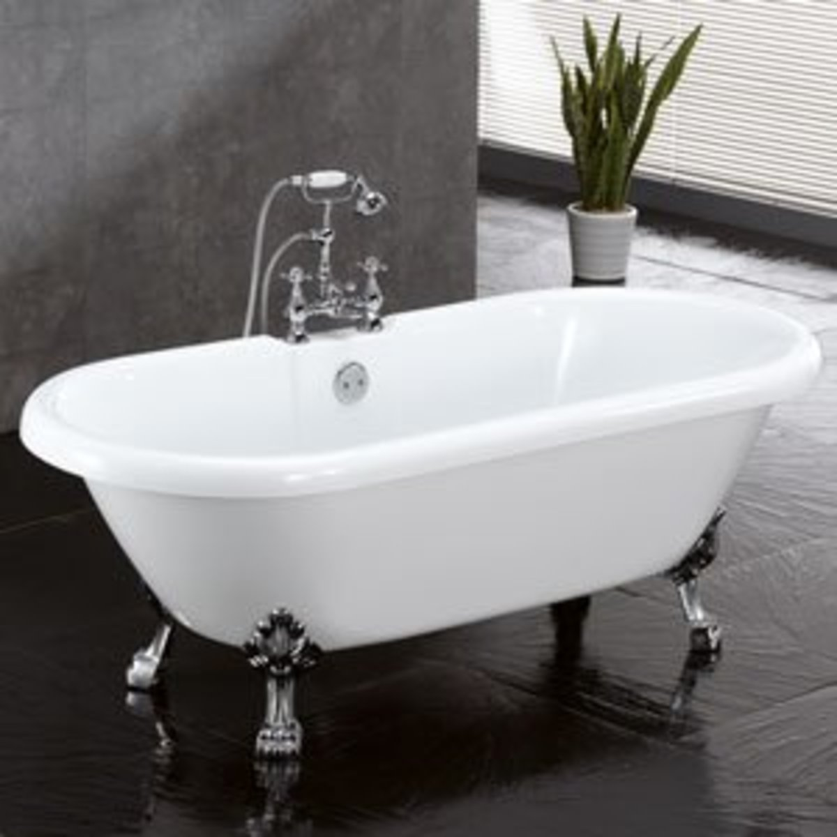 Vintage tub: double-ended clawfoot