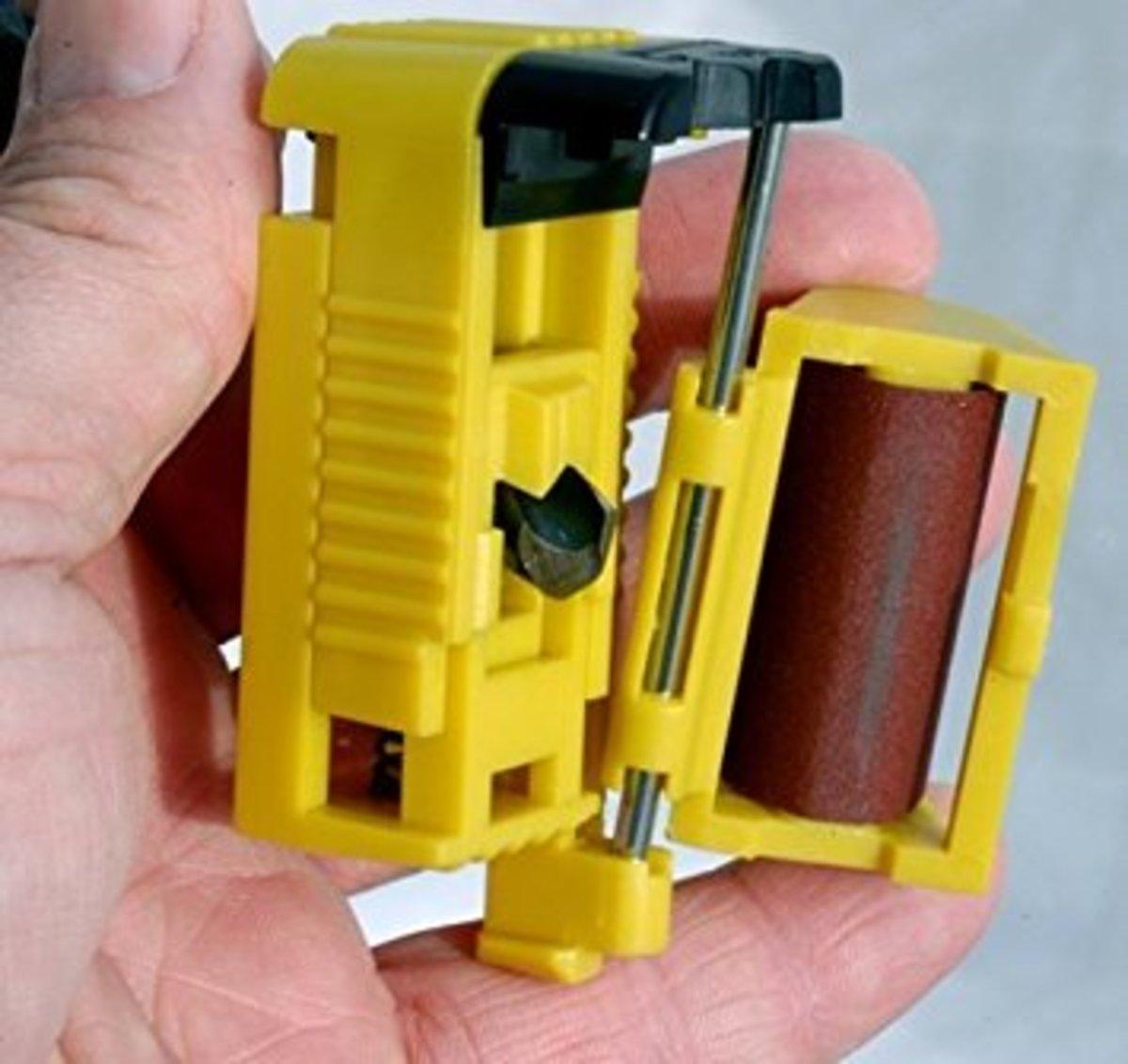 Prazi bit sharpener