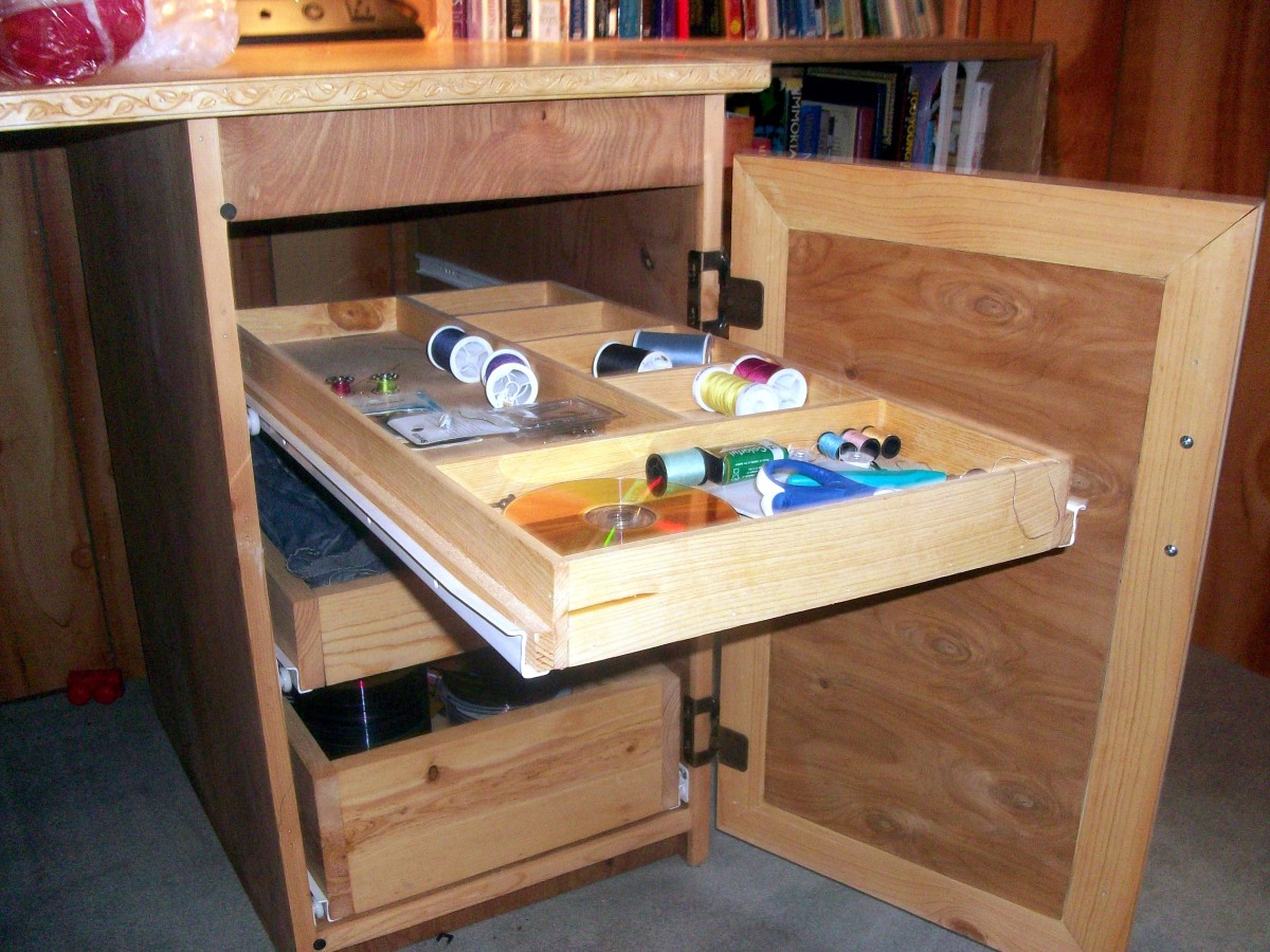 Top drawer extended; the other drawers have no dividers.