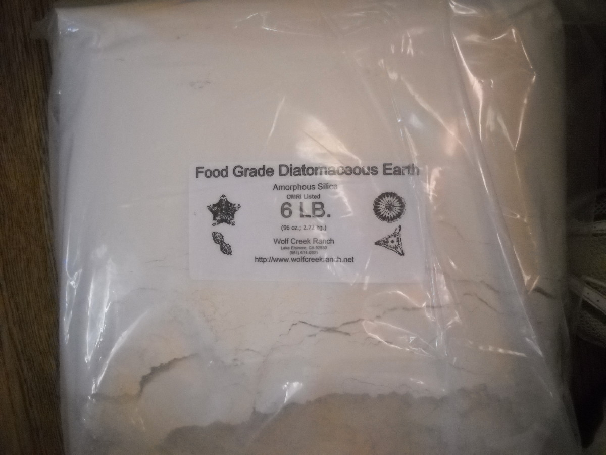 A large bag of food grade diatomaceous earth is one of the most cost-effective and versatile products on the planet, with a wide range of uses in the garden and in the home.