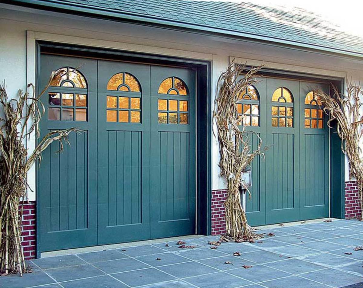 The Colors of the Ocean: Home Décor Ideas | Dengarden on Garage Door Colors Ideas  id=52869