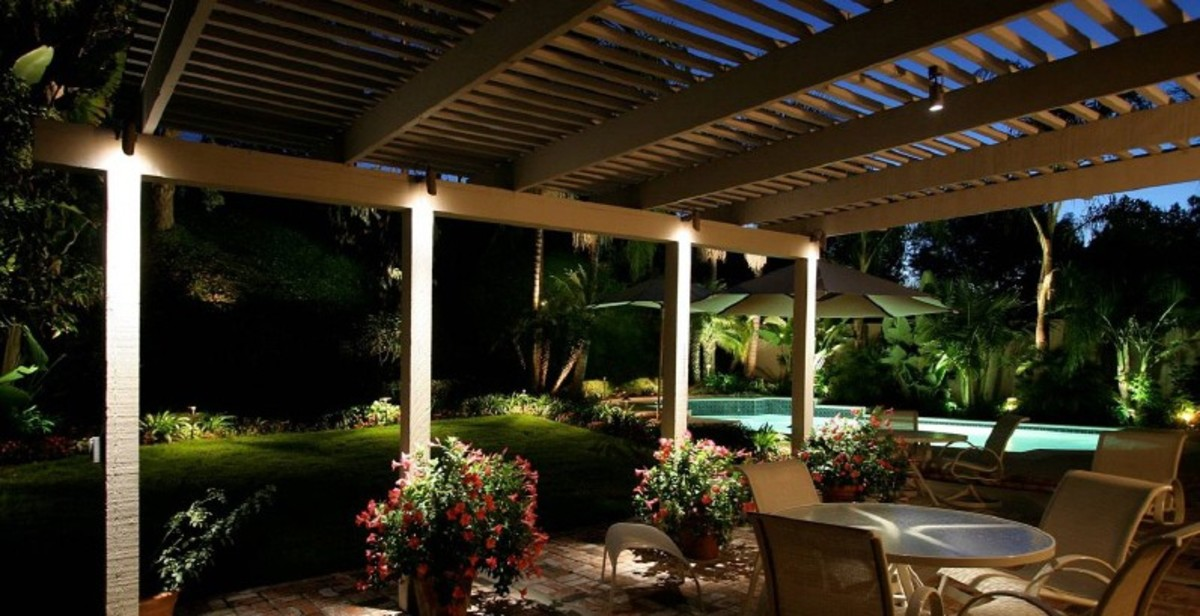 Effective patio lighting - Your outdoor living space must also be lit in a way that it is not only aesthetically pleasing, it must make your outdoor room an enjoyable space to be in.