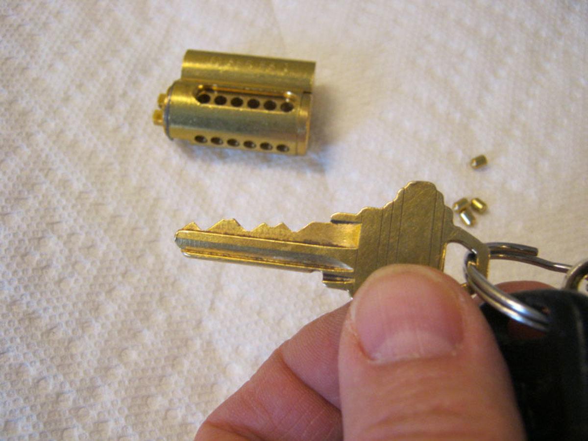 Original pins dumped.  New cut key ready.