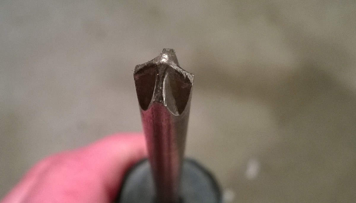 This screwdriver has a blade tip suitable for Phillips screws