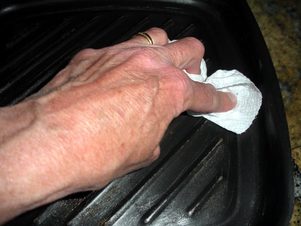 Final wipe-down of pan