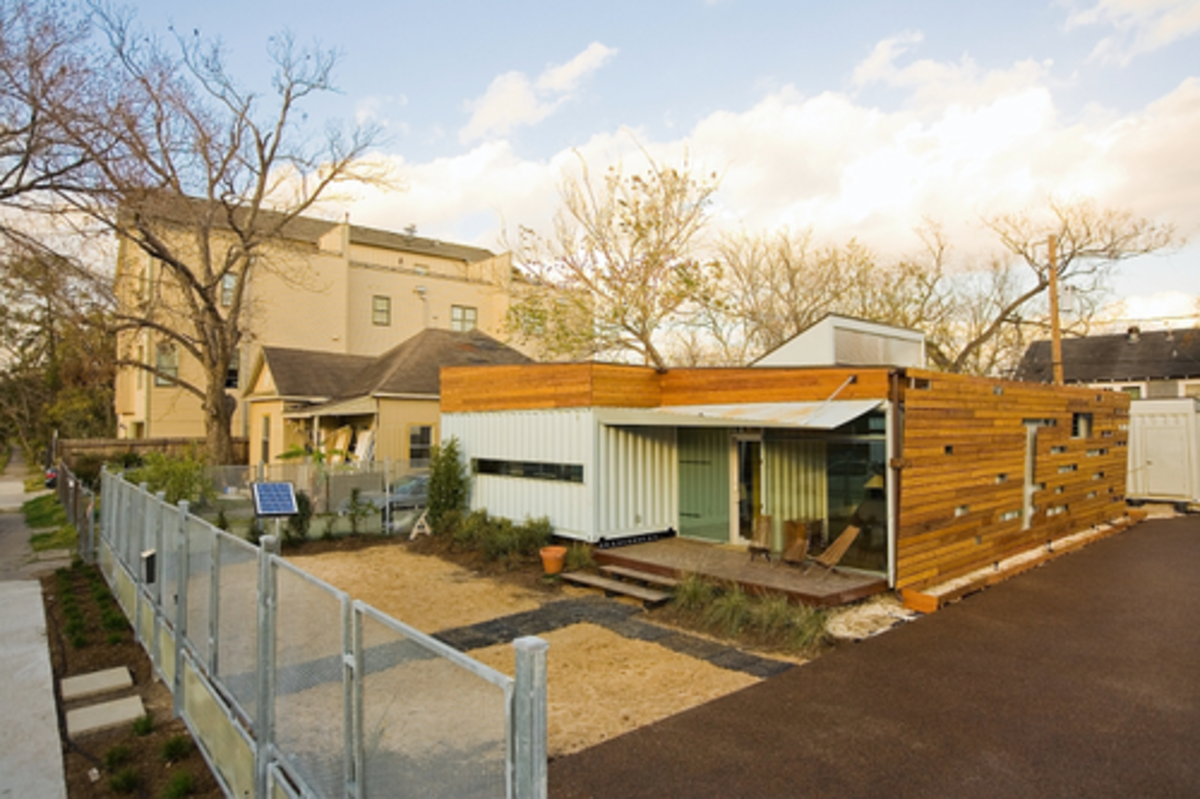 Pros and cons of building a home out of shipping containers dengarden - Pros and cons of shipping container homes ...