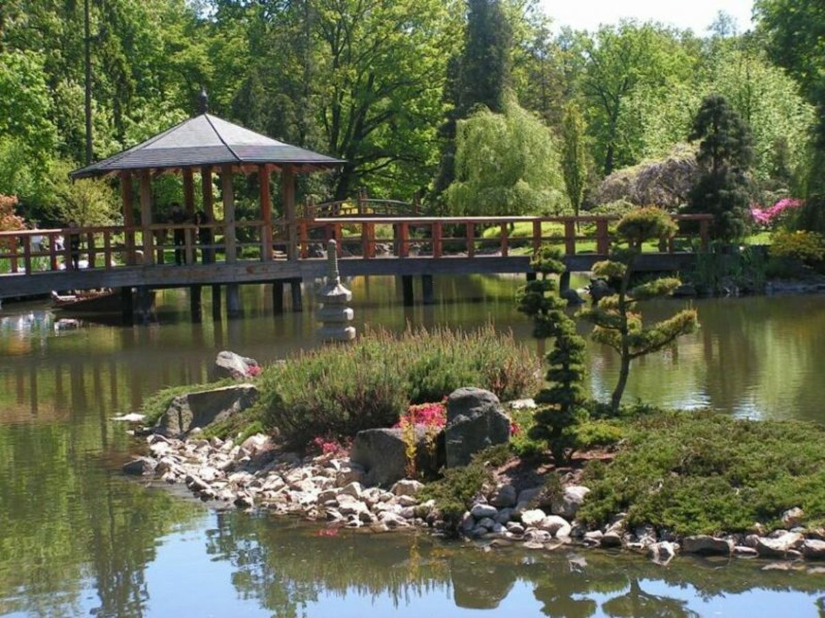 A Japanese Garden, depicting the Taoist belief of immortal islands