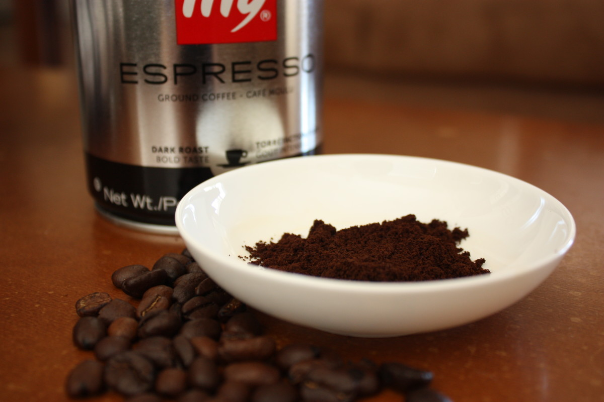 Not many people know that coffee grounds can absorb unwanted odors like cigarette smoke.