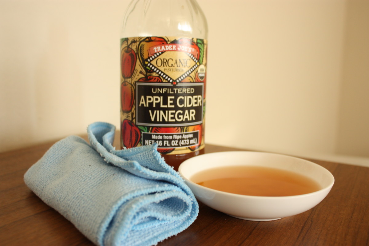 Vinegar has many uses and is especially great for cleaning and getting rid of bad odors.