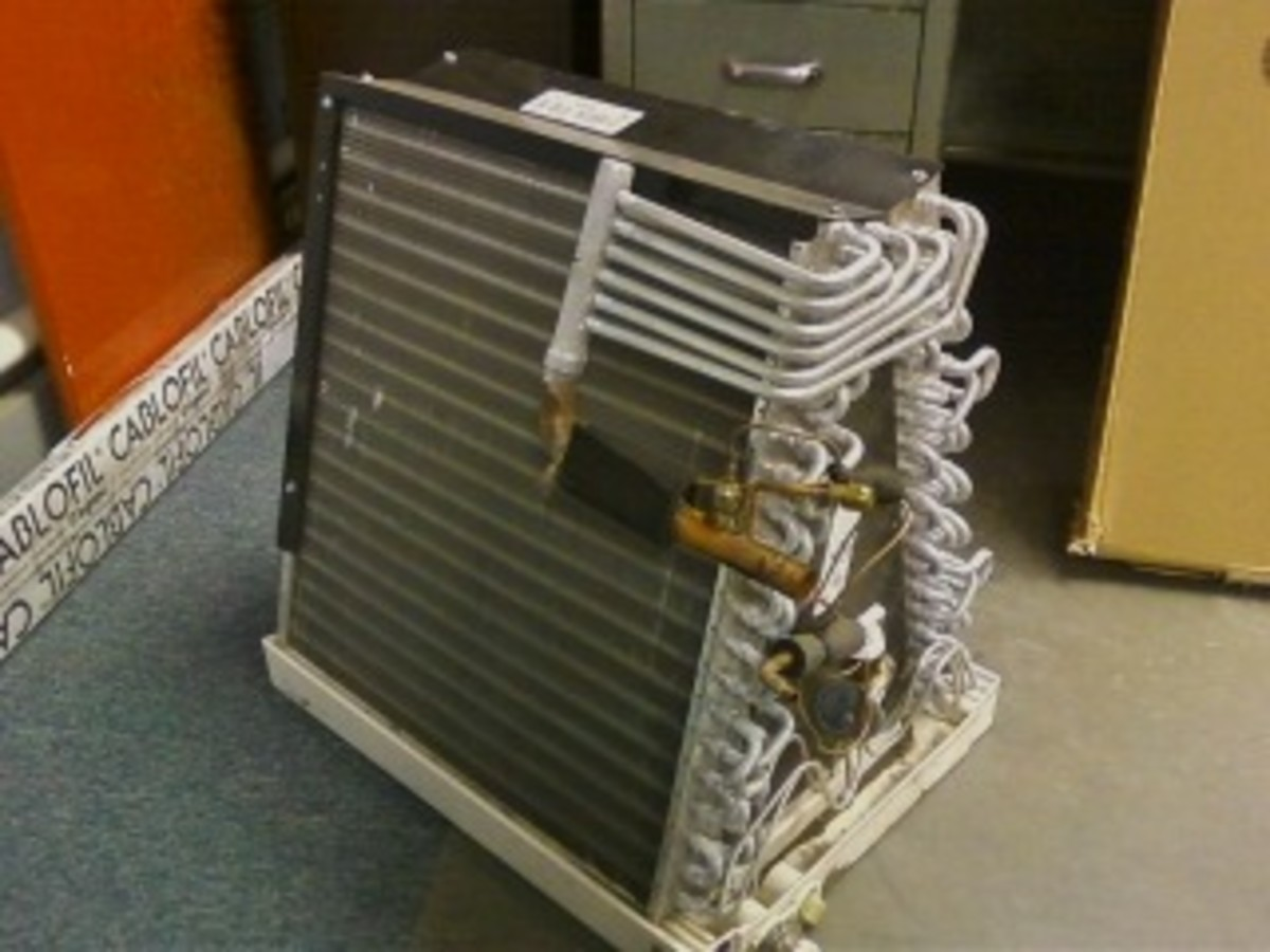 Evaporator: This is what it looks like inside the casing.