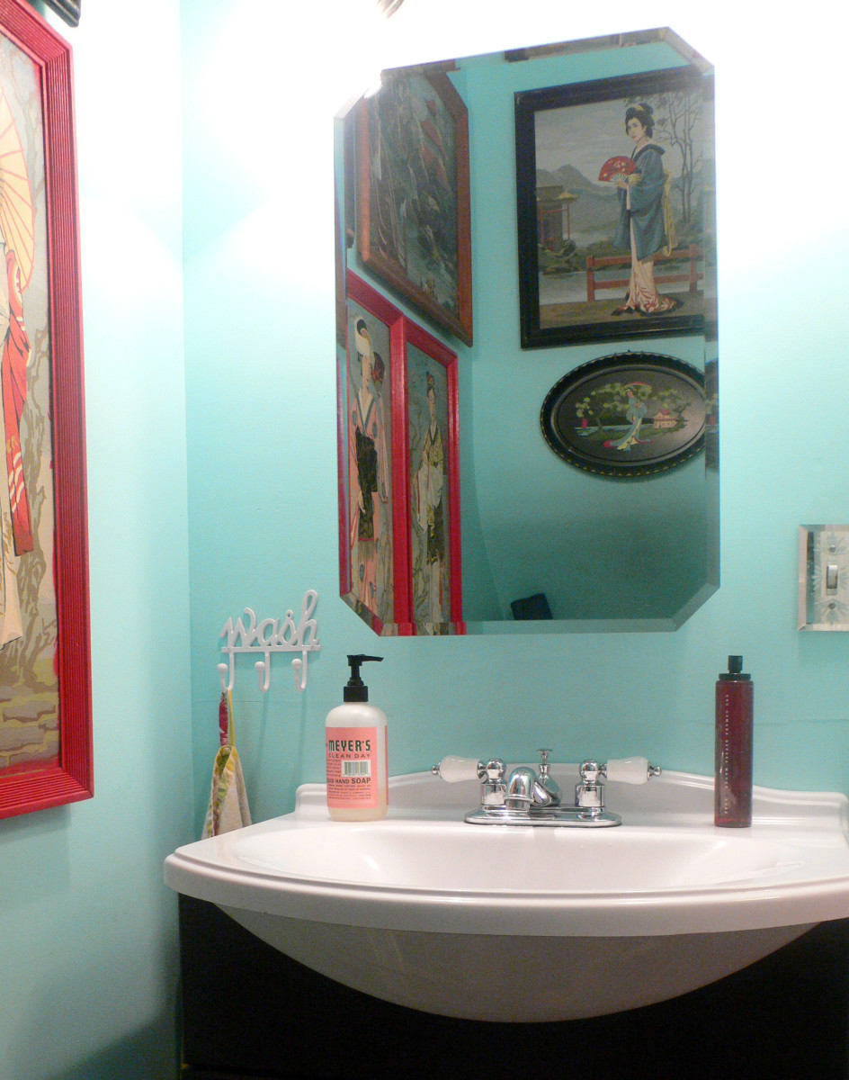 Sizing the Mirror Above Your Bathroom Vanity | Dengarden