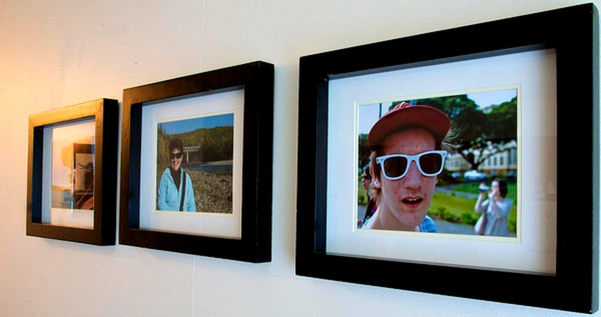 Unified groupings are best with similar images, colors and frames.