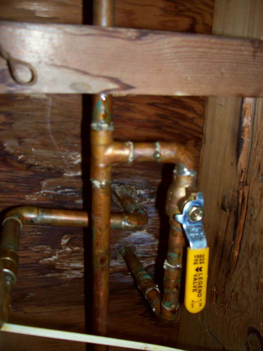 This is a quarter turn valve. When turned a quarter of a circle, the water is off/on. You may have a smaller chrome style of this under your sink that will work just as well.
