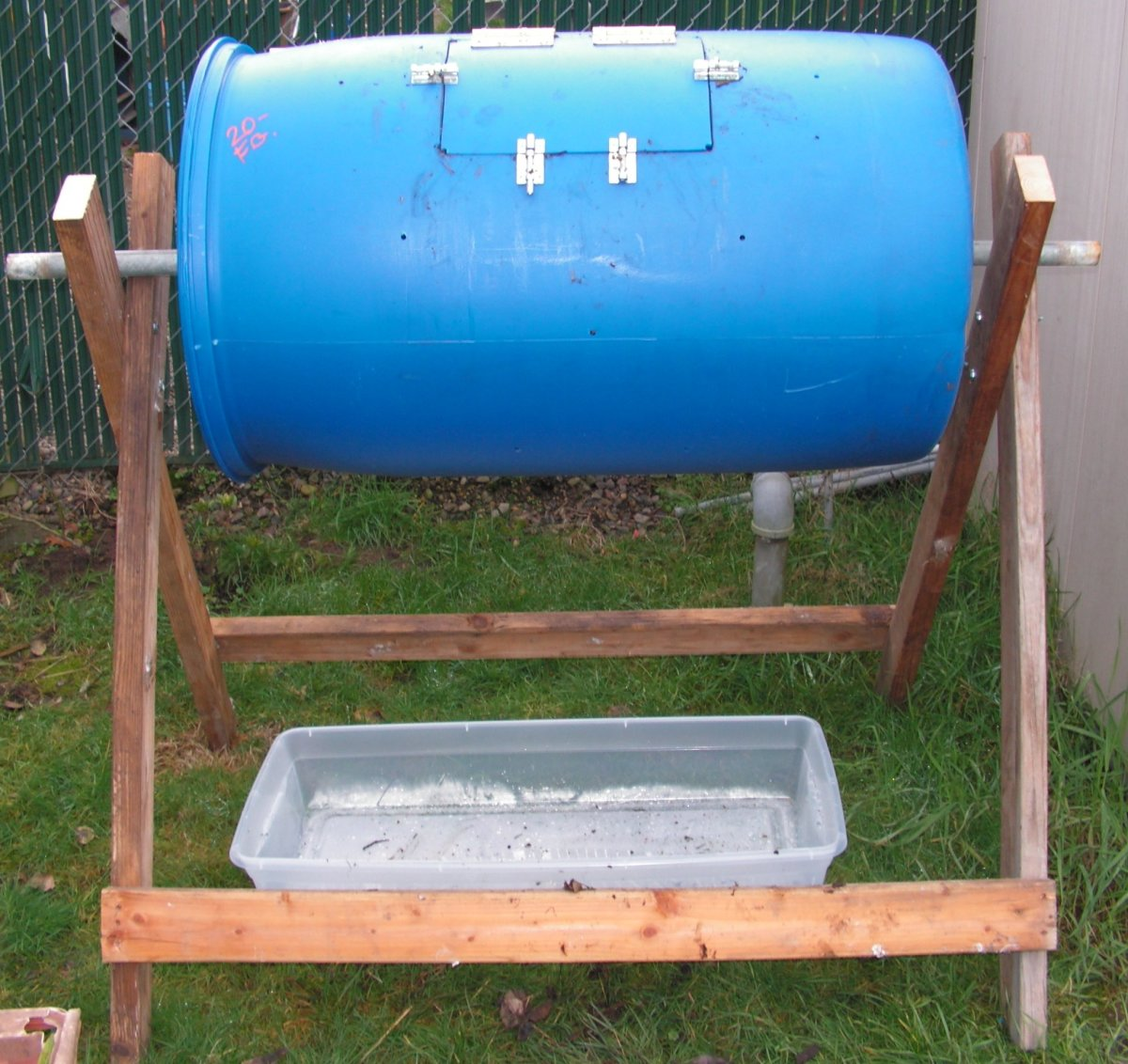 how to make a composter out of a plastic barrel