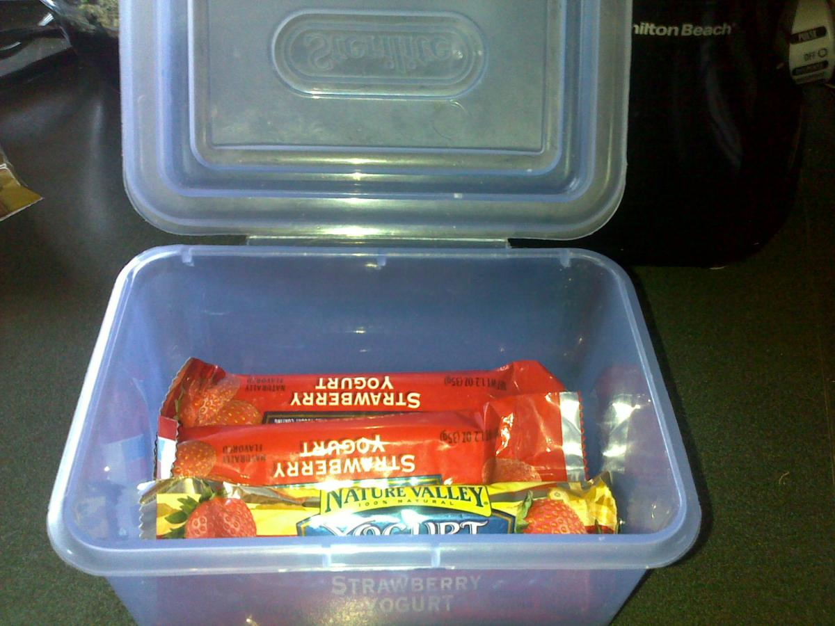DO keep food in containers with lids.