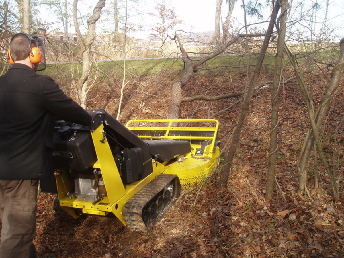 Walk-behind  brushcutter from Pecobrushcutters.