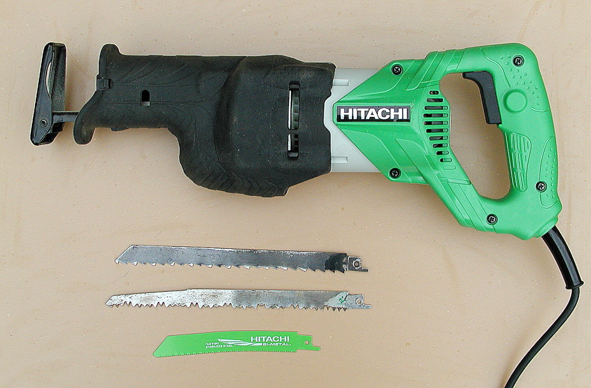 Hitachi CR13V2 reciprocating saw and blades