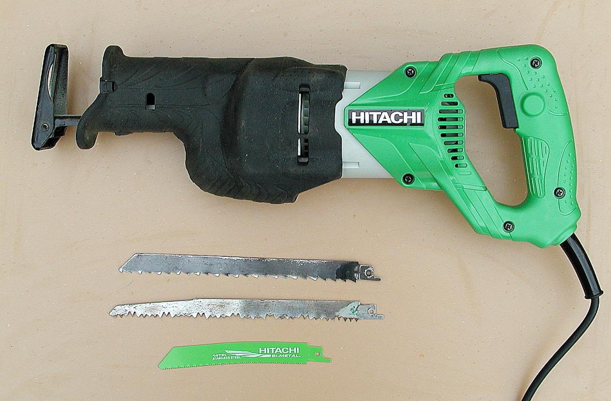 Hitachi CR13V2 reciprocating saw and blades