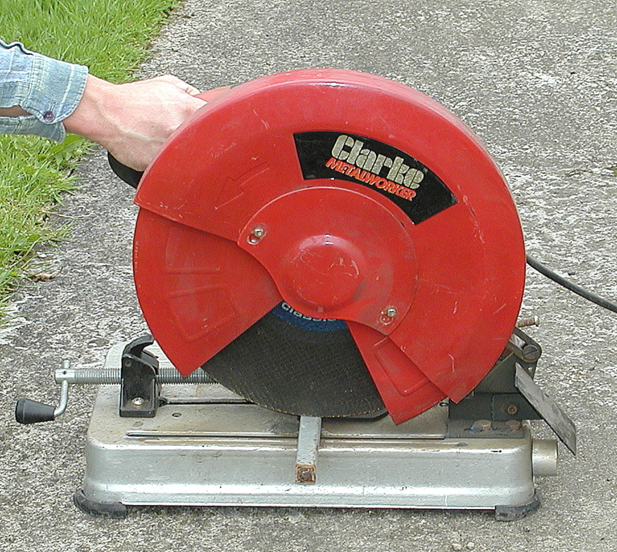 Clarke metal cutoff saw