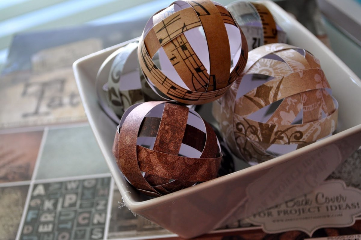 Decorative paper balls