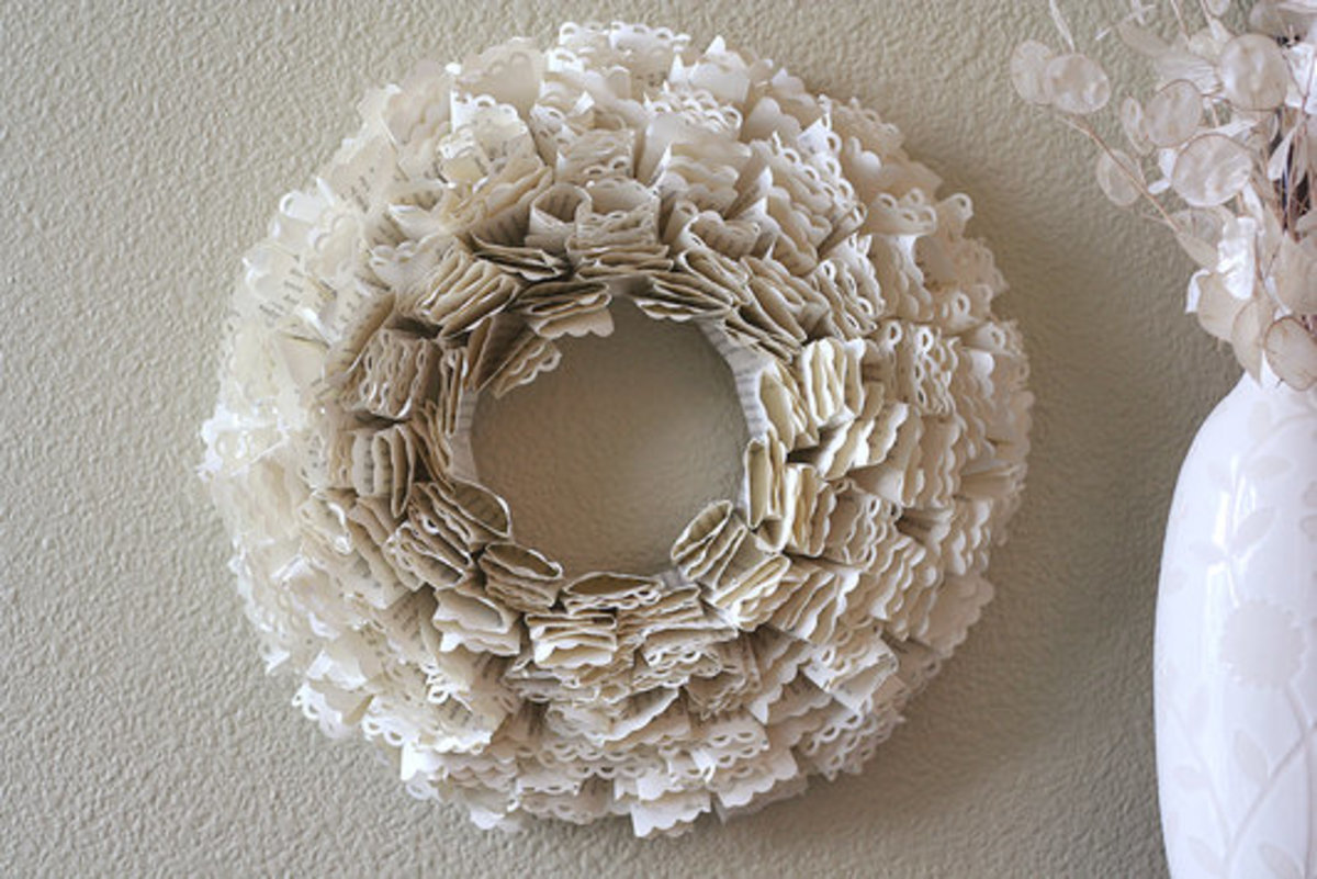 Fluffy paper wreath