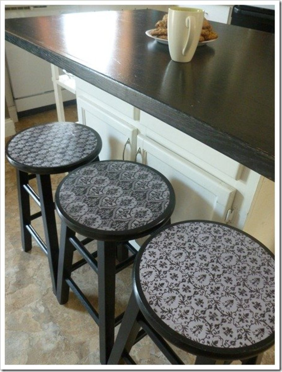 Amazing bar stool makeover
