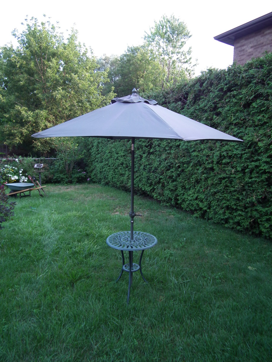 The starting point: an old patio umbrella