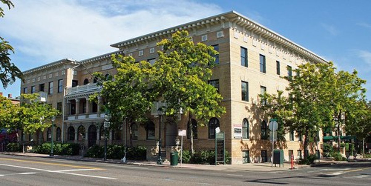 Italian Renaissance Revival apartment building in Denver c. 1914.