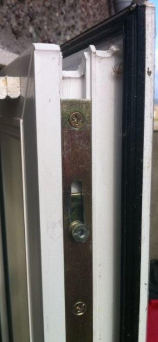 pvc window espage locking system