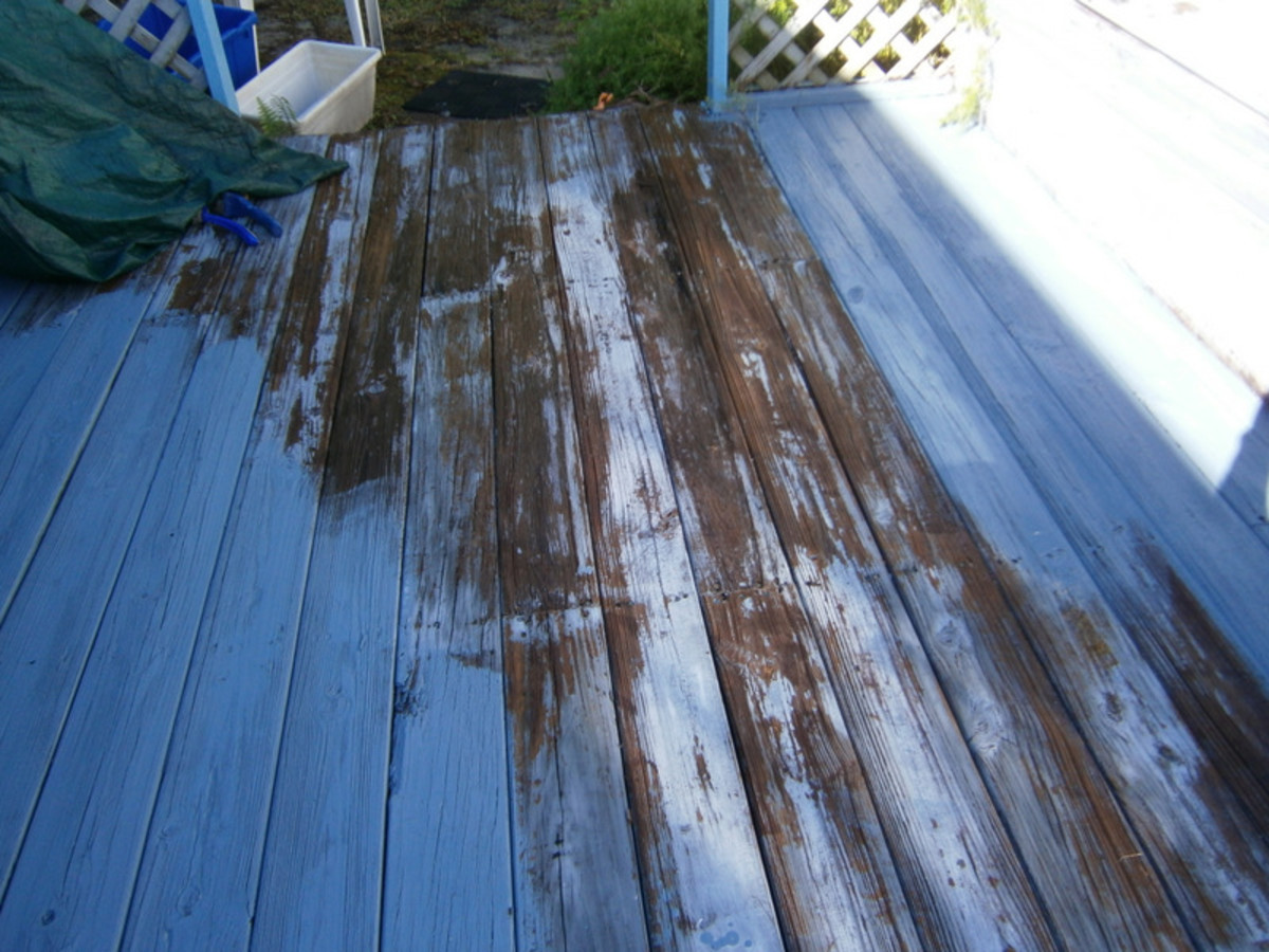 The deck has been cleaned, scraped, and ready to be primed with Kilz.