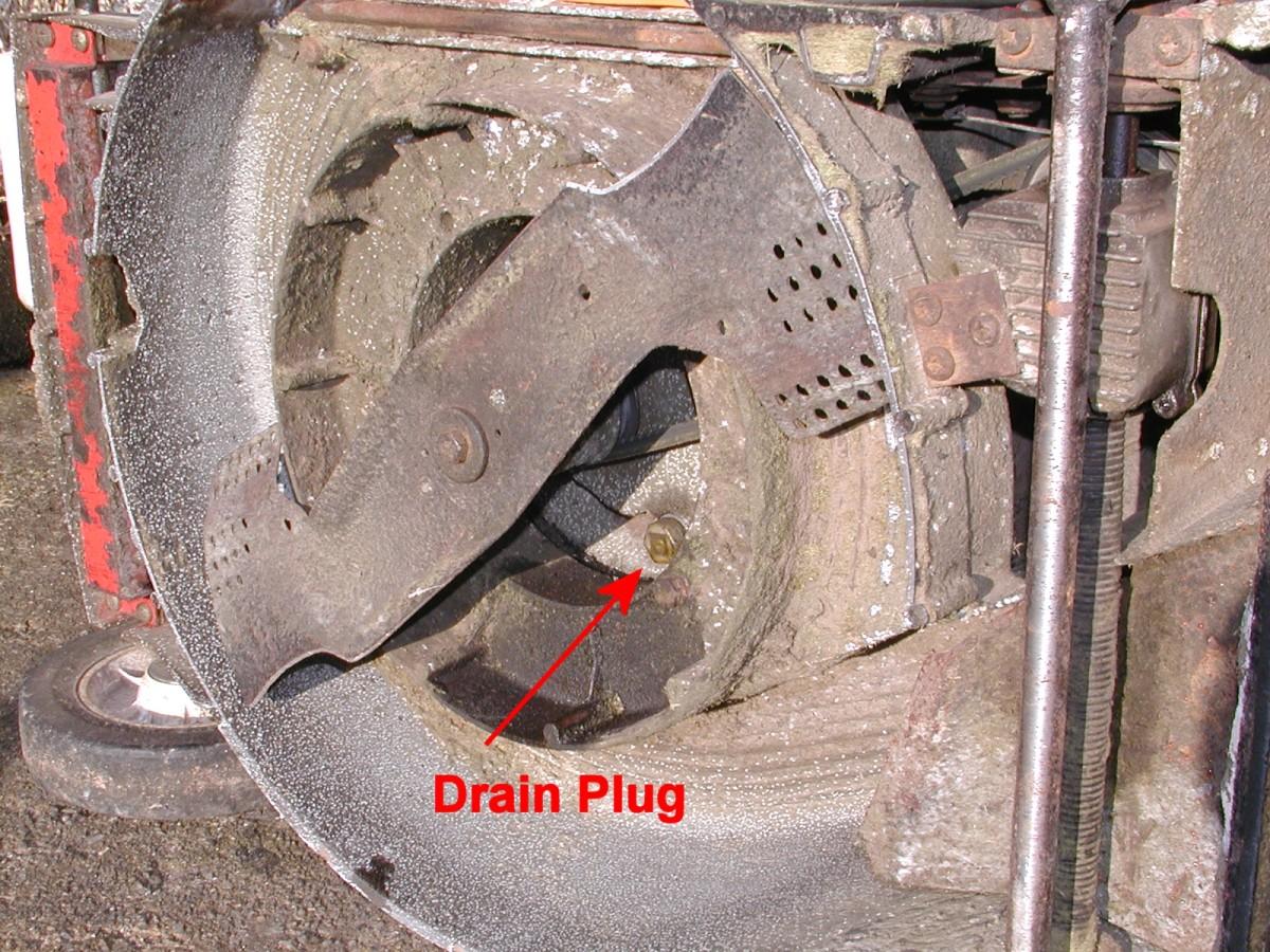 Drain plug on a mower