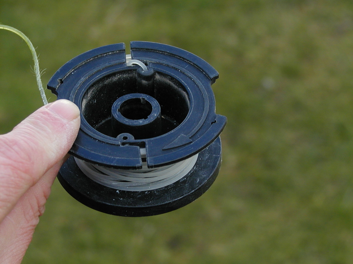 String trimmer spool