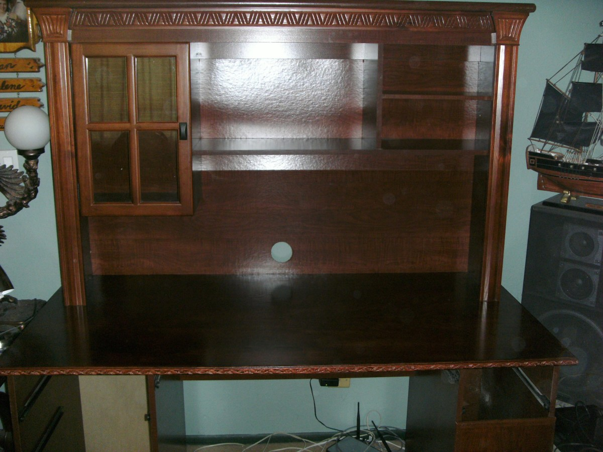 The refinished desk, assembled with the shelving once more set into place.