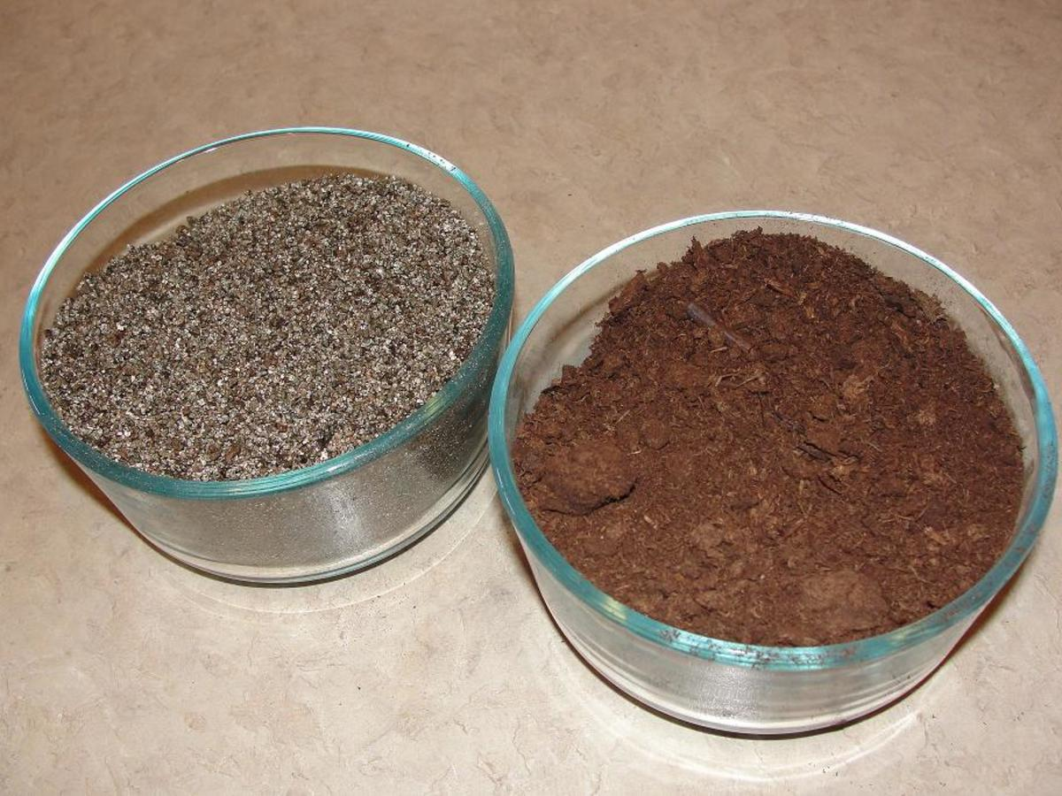 This is my seed-starting soil mix. Just mix equal parts vermiculite and peat moss.