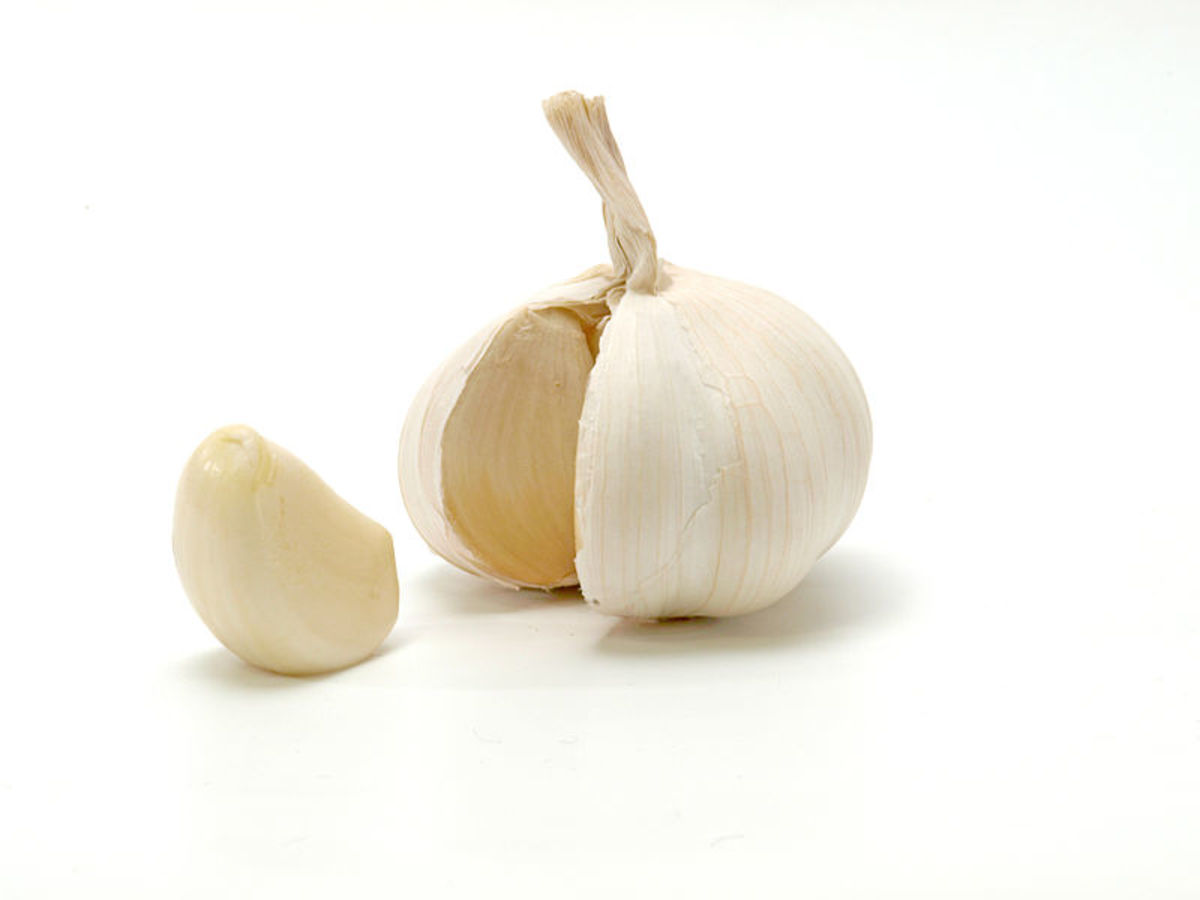 Sprinkling garlic around your home can help keep cockroaches away.
