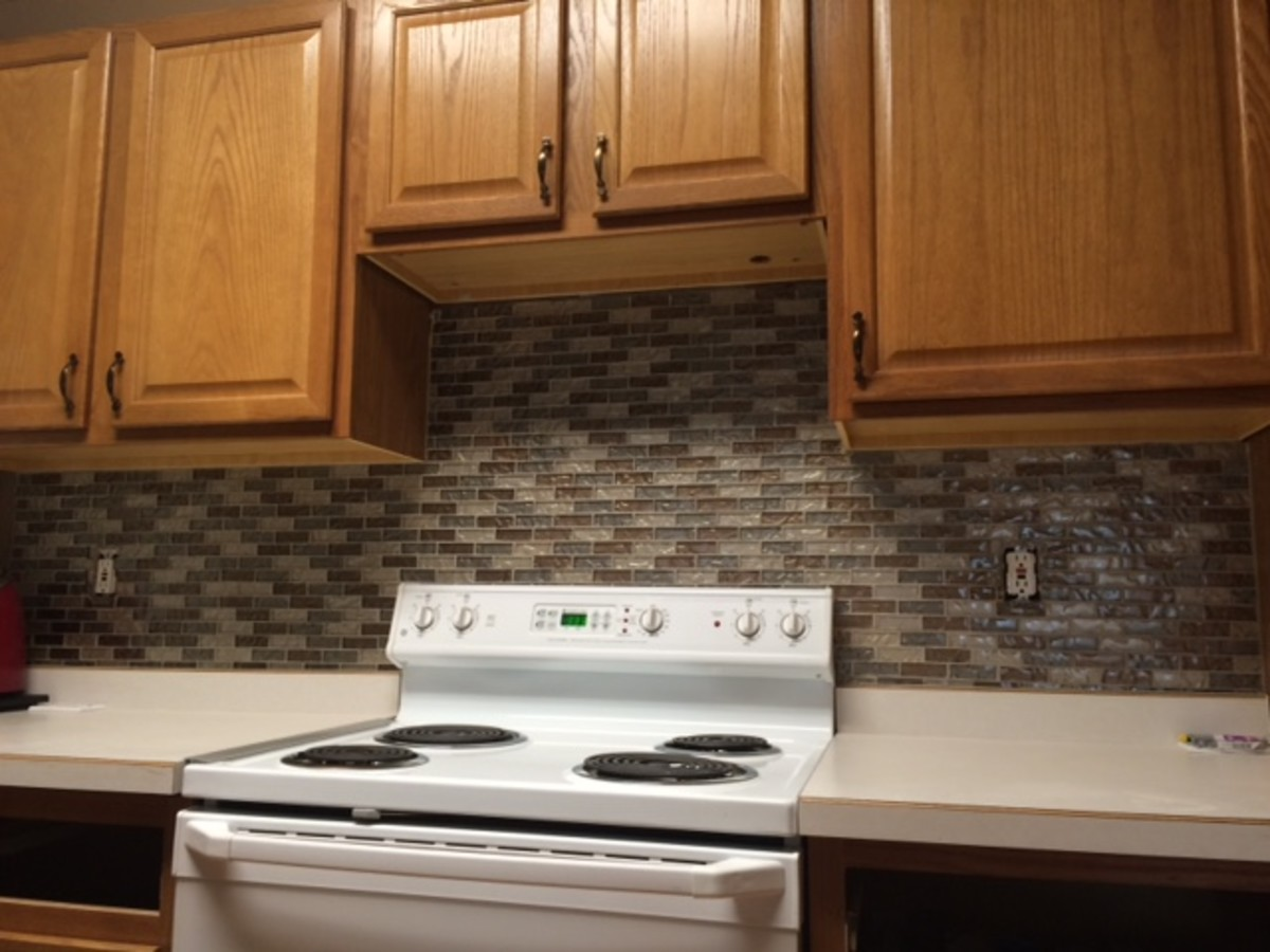 Easy kitchen mosaic tile backsplash project dengarden - Simple kitchen tiles ...